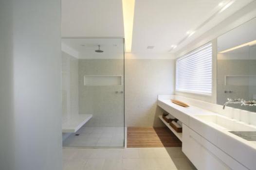 TeT_torneira_banheiro_espelho_1