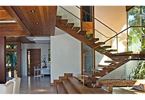 TeT_top10_escada_madeira_vidro