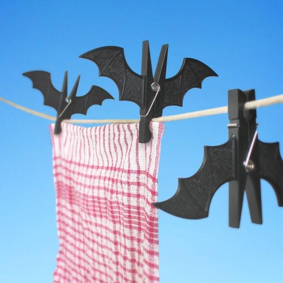 TeT_spooky_bat_clothespins