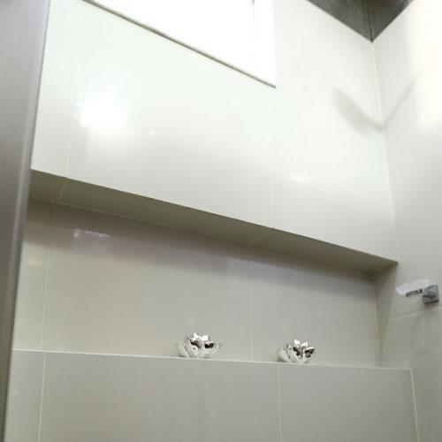 Nicho no Box – Dimensões e Como Fazer  tijolosetecidos -> Nicho Parede Box Banheiro
