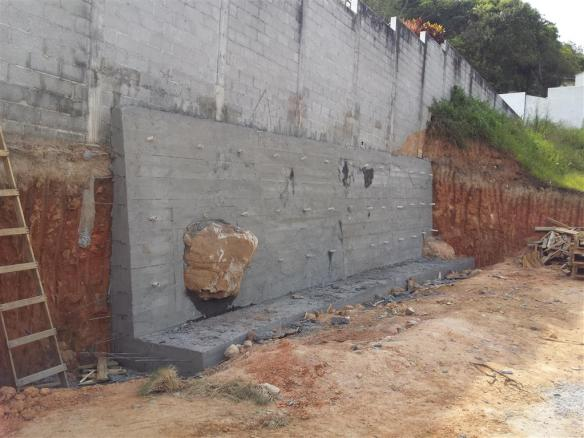 TeT_2_muro_contencao_concreto
